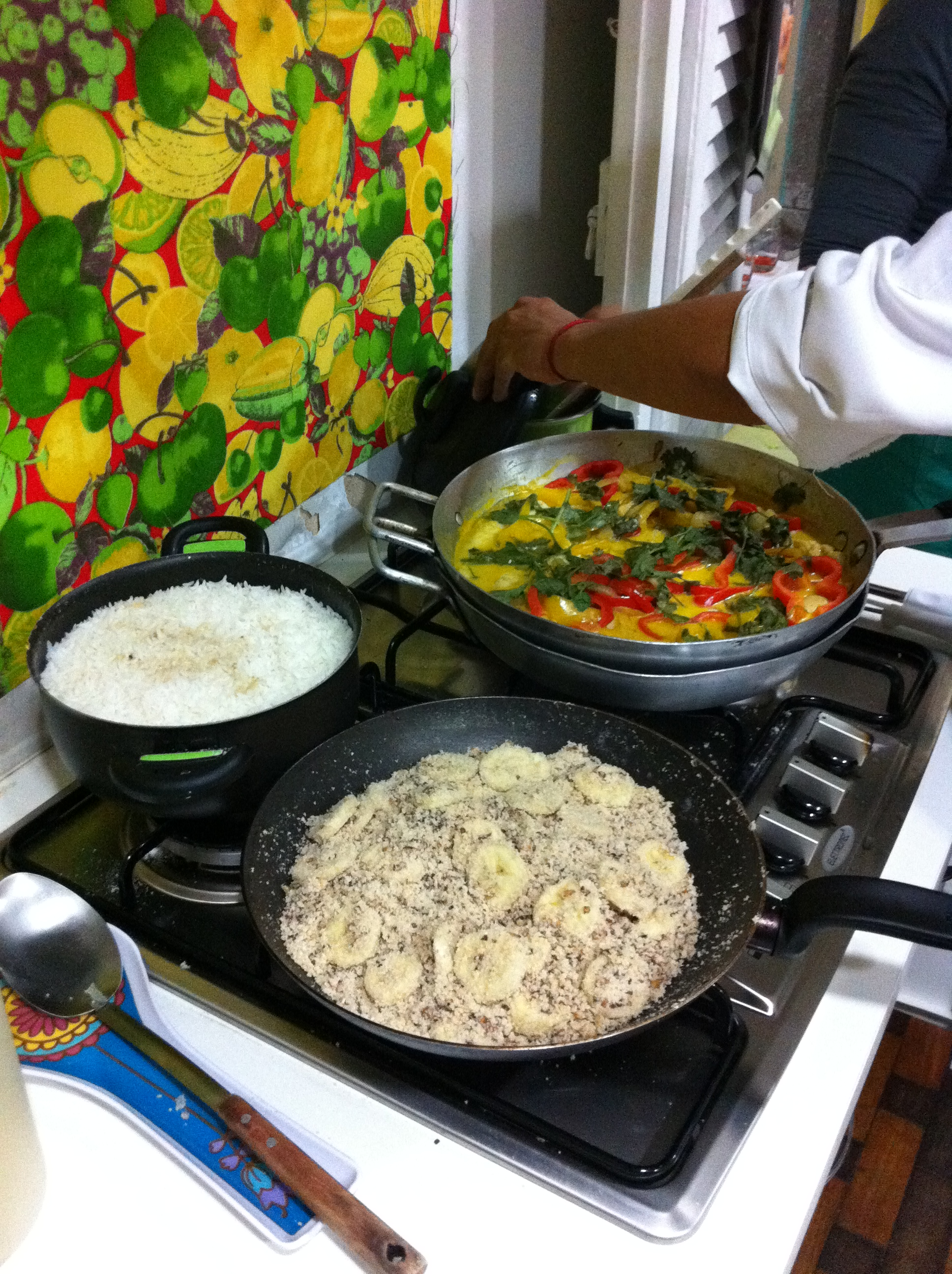 farofa, rice and moqueca